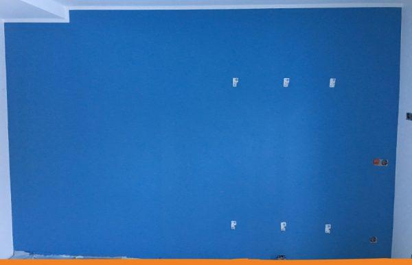 wandanstrich blau