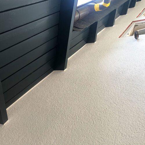 fassade-holzwerk-renovieren-lassen-maler