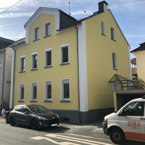 fassade-renovieren-lassen-maler
